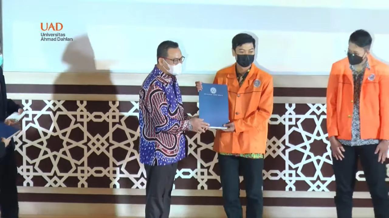 Royan Agil Nugroho, Mahasiswa Matematika Aktivis Terbaik UAD Awards 2021