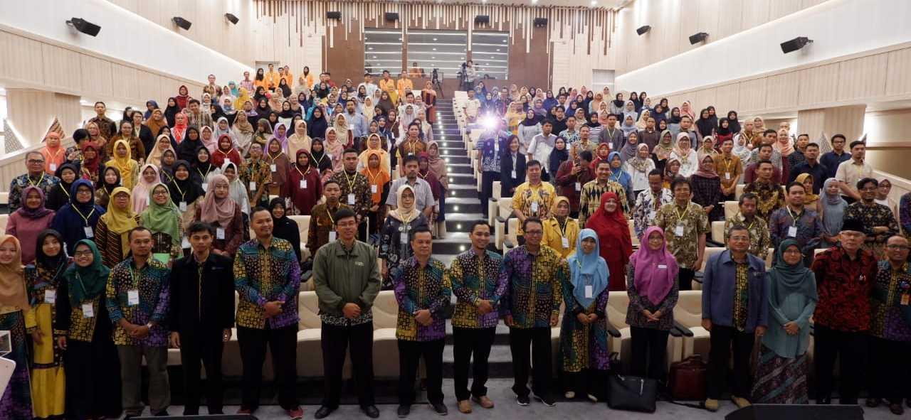 Seminar Internasional Matematika & Pendidikan Matematika UAD